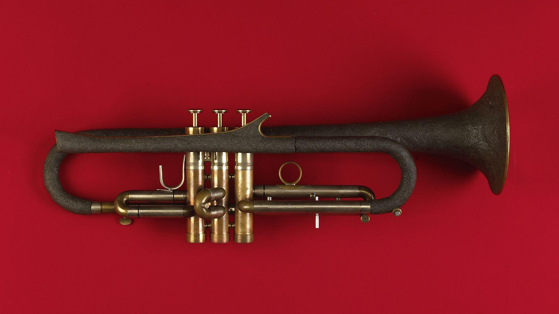 trompete_inox_V63_1920x1080px