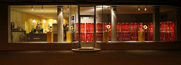 inderbinen-store-outside-night_600px.jpg